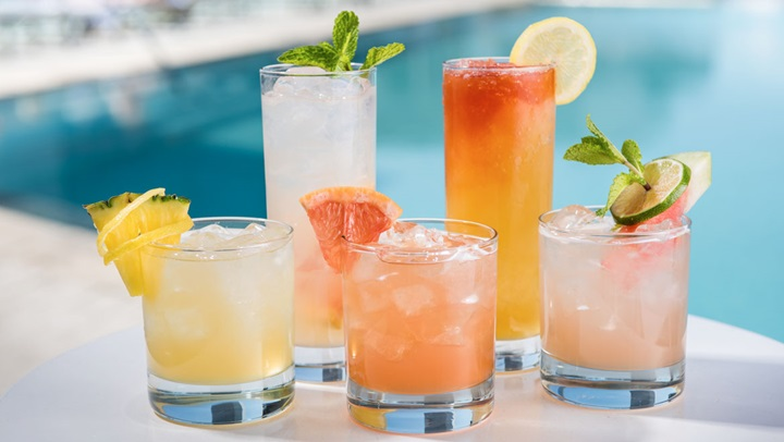 Honey-infused cocktails