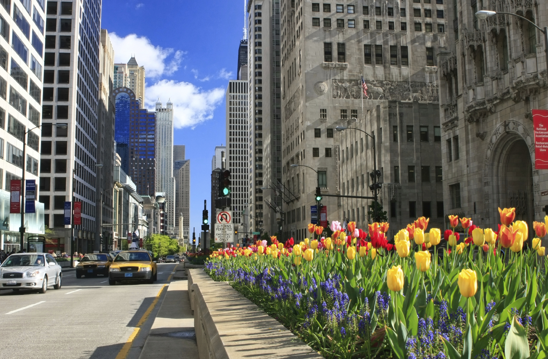 Ping And Dining On Michigan Avenue In The Heart Of Chicago With Hotels Near North
