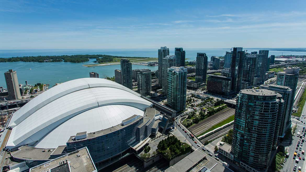 Opened In 1989 Rogers Centre Previously Known As Skydome Is Home To The Toronto Blue Jays Argonauts Football Team Occasional Nfl And