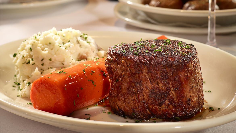 Manhattan Steakhouse | Bob's Steak & Chop House | Omni
