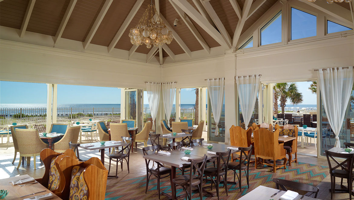 Oceanside dining room