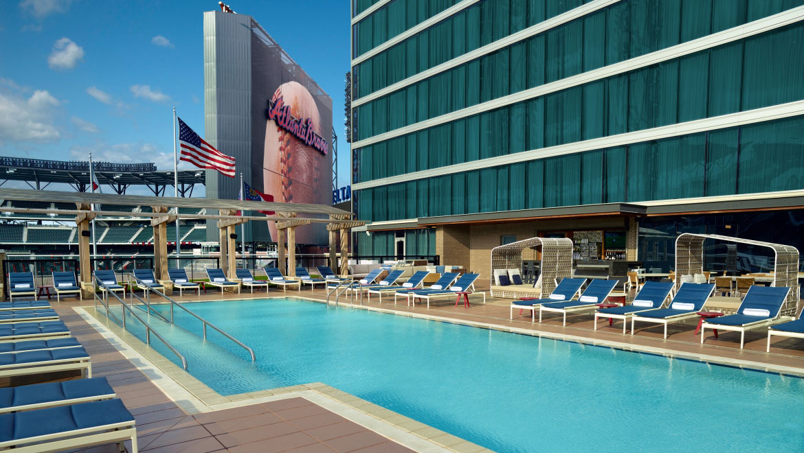 Luxury Hotel With A Pool In Atlanta Omni Hotel At The Battery