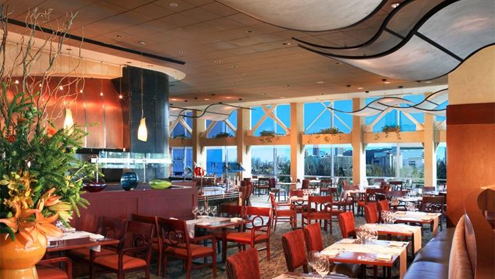 Hotels Near Mercedes Benz Stadium Omni Atlanta At Cnn Center