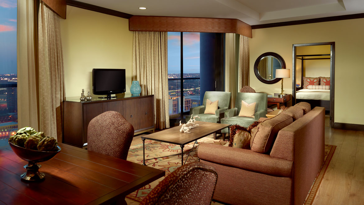 Luxury Austin Guest Rooms And Suites Omni Austin Hotel Downtown