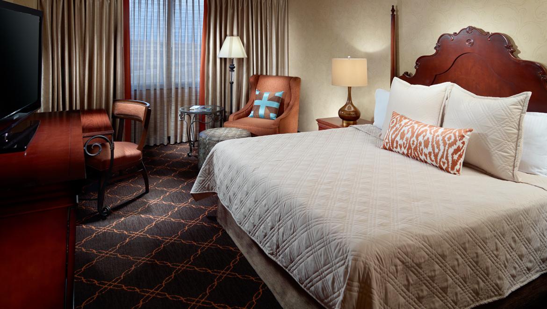 Austin King Room. Suites in Austin TX   Guest Rooms   Suites   Omni Austin