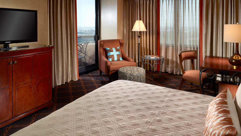 Austin Balcony Room. Suites in Austin TX   Guest Rooms   Suites   Omni Austin