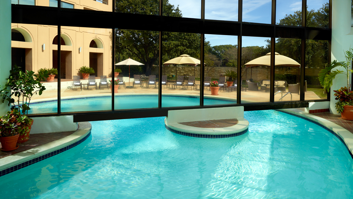 Austin hotel pool omni austin hotel at southpark for Top spa resorts in texas