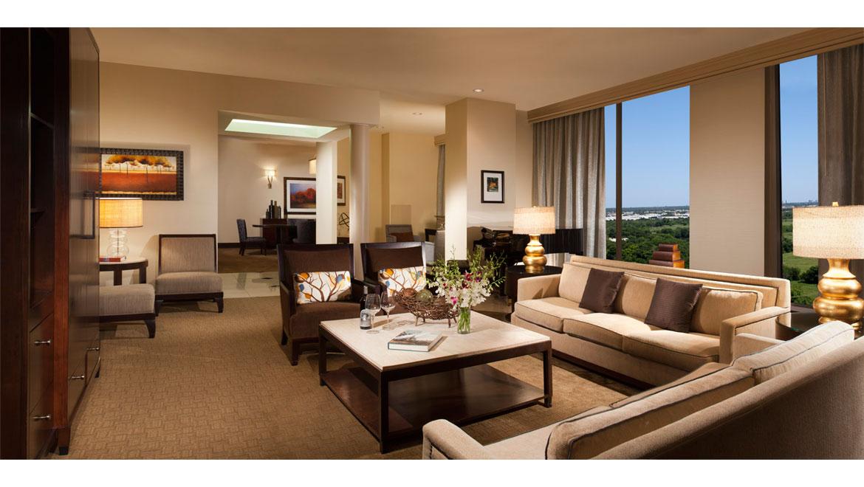Hotel Suites In Dallas Tx Guest Rooms Omni Dallas Park