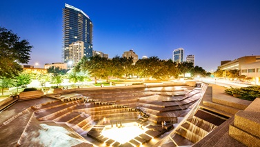 Dusk view of Fort Worth water gardens