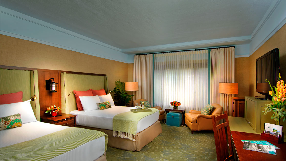 Vanderbilt double bed guestroom at Grove Park Inn