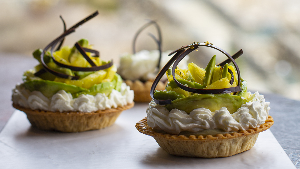 Avocado and Pineapple Mini Pie