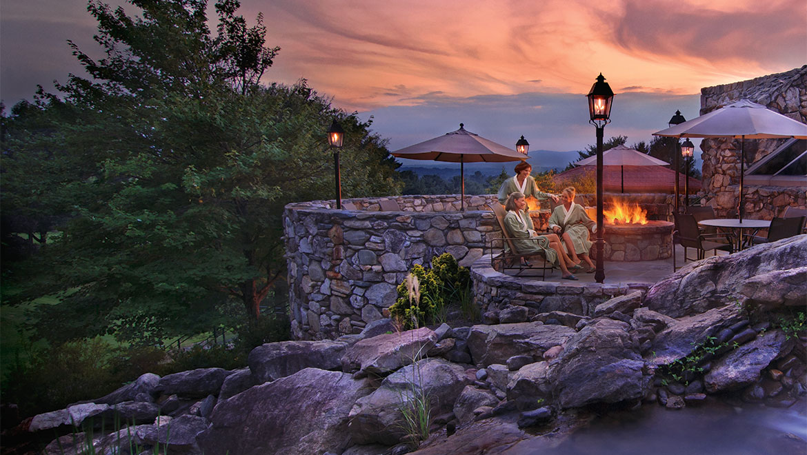 Outdoor fire pit at Grove Park Inn