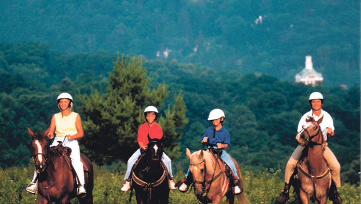 Horseback riding in Hot Springs
