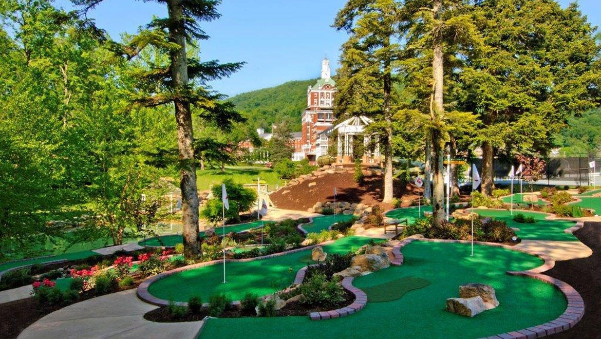 Mini golf course at Homestead Resort