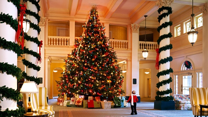 Christmas tree at the Omni Homestead