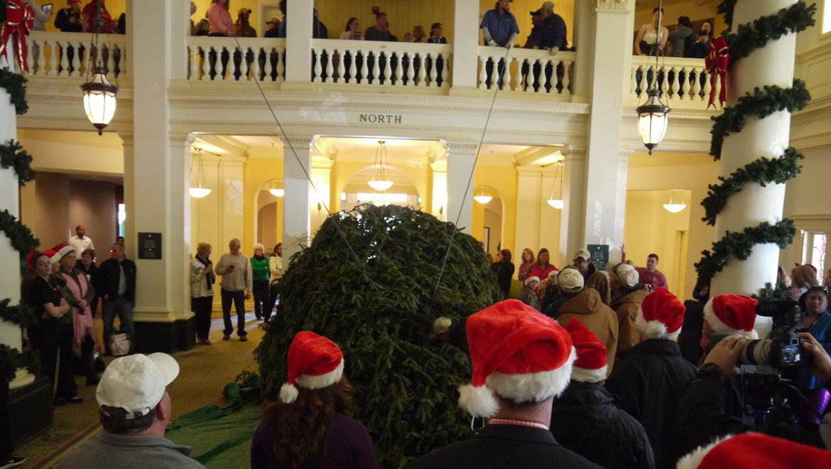 Tree Arrival Ceremony at The Omni Homestead