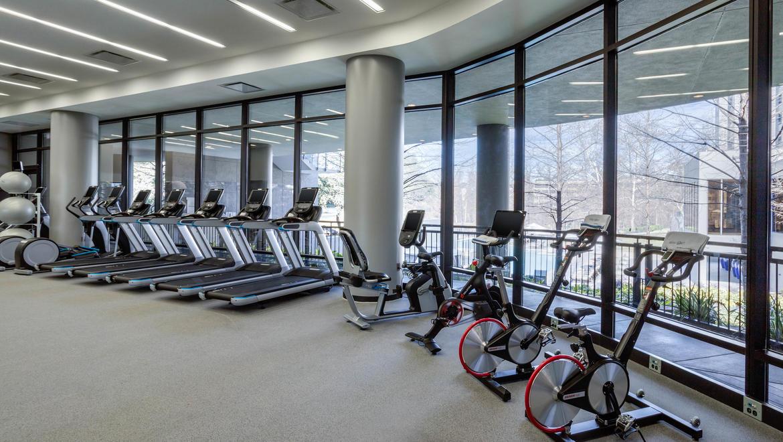Houston gym and fitness center omni houston hotel