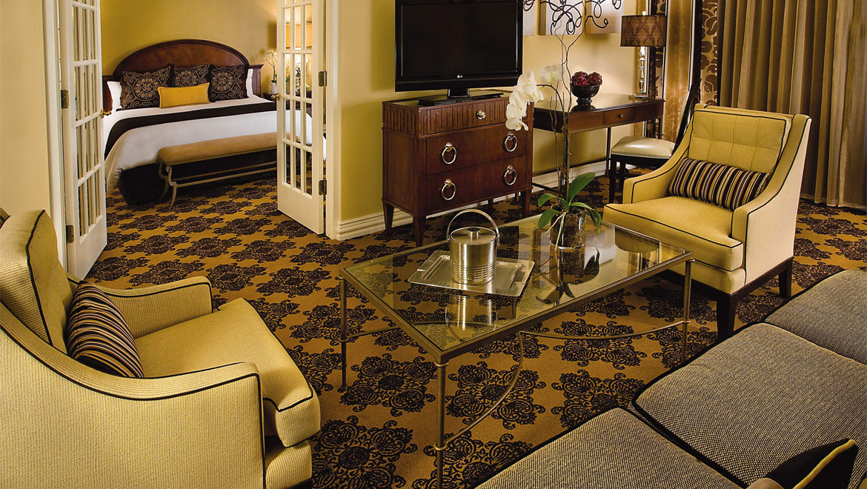 Luxury Hotel Suites in Houston Omni Houston Hotel : houprk omni houston hotel suite 2 from www.omnihotels.com size 1170 x 660 jpeg 301kB