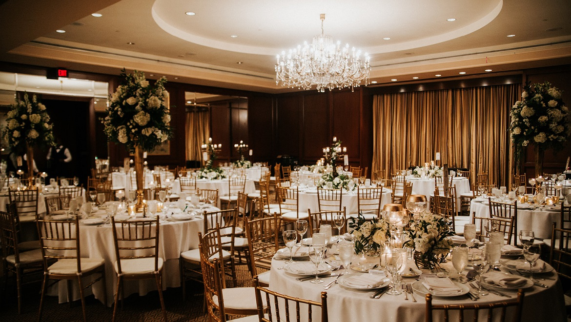 Houston wedding venues and receptions omni houston hotel wedding junglespirit Image collections
