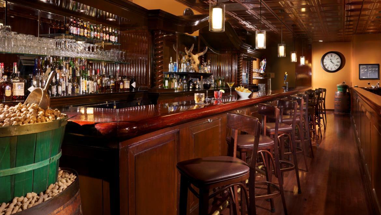 Bars In West Houston | Black Gold Bar | Omni Hotel At Westside