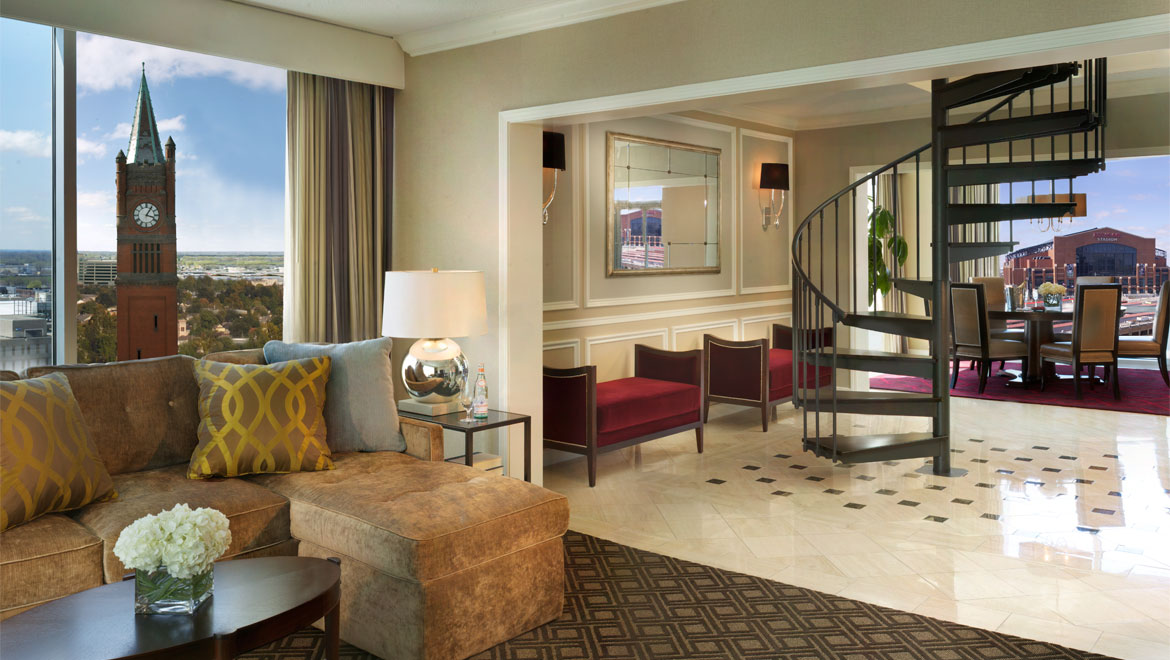 Luxury Indianapolis Guest Rooms And Suites Omni Severin Hotel