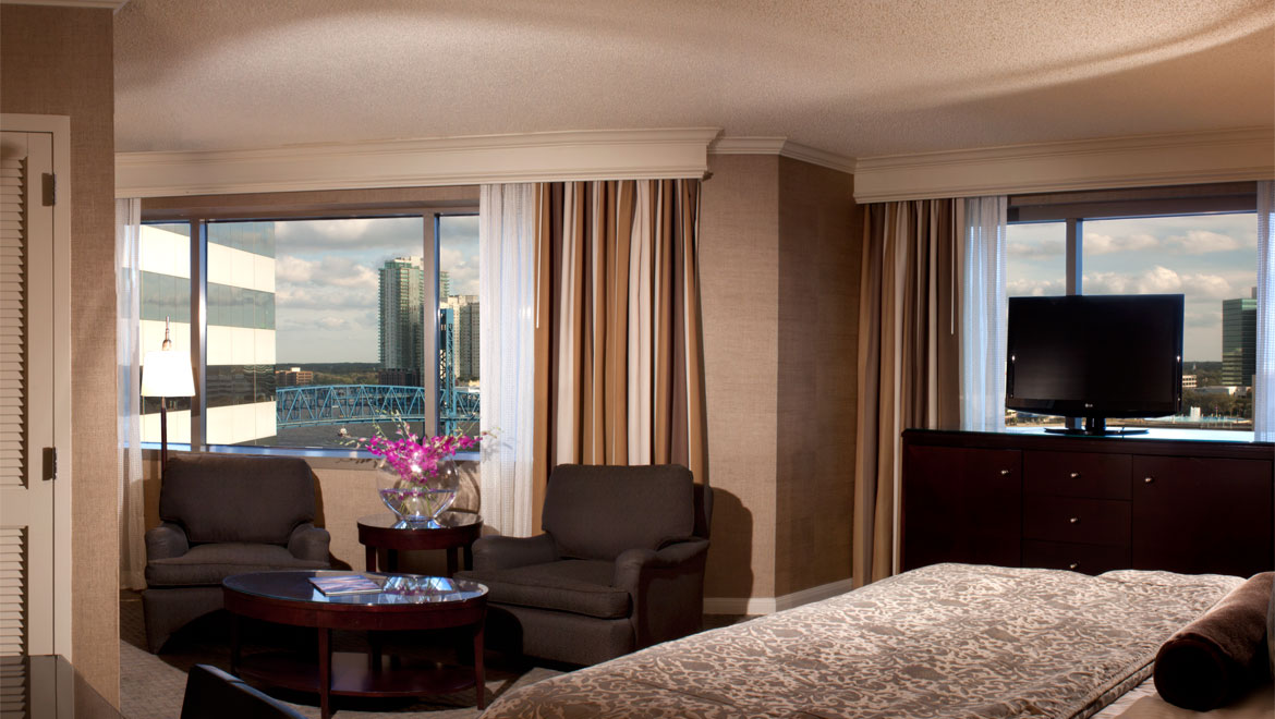 Guestroom with view at Jacksonville Hotel