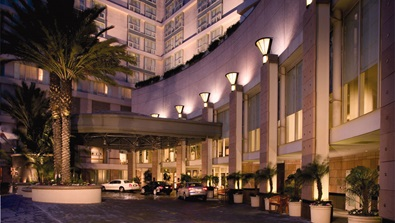Los Angeles Hotel front exterior view at night
