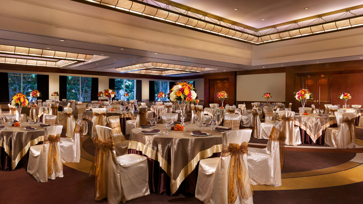 Wedding room setup for reception at Los Angeles Hotel