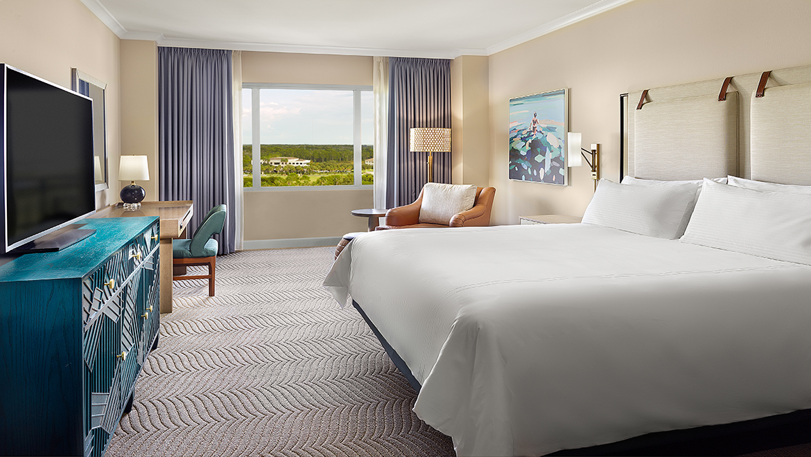 Deluxe king room at Championsgate in Orlando