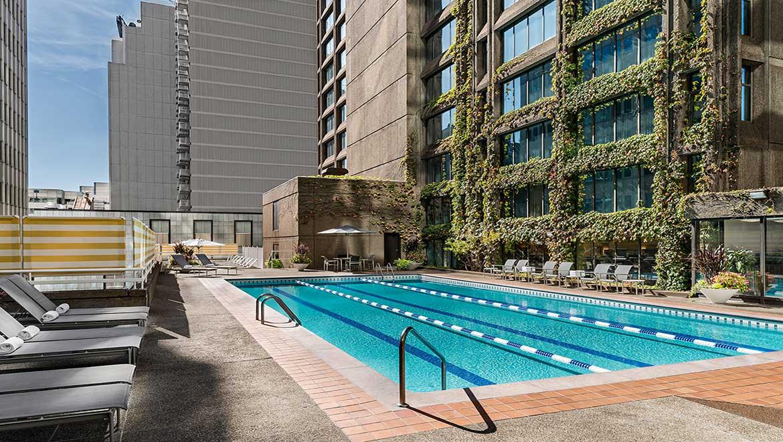 H tels avec piscine montr al omni mont royal for Hotel piscine montreal