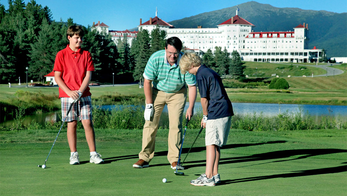 Family golfing at Mount Washington
