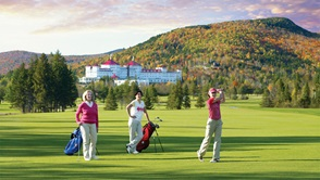 Women golfing at Mount Washington