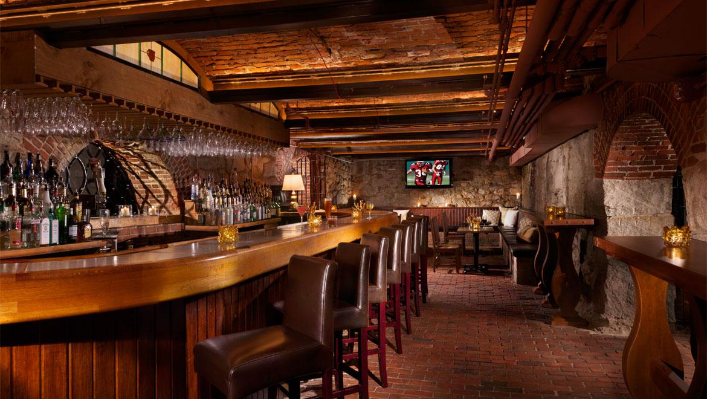 Merveilleux Cave Bar, Mount Washington