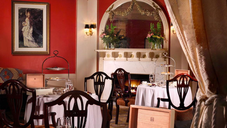 Dining room at Mount Washington. Mt Washington Restaurants   Omni Bretton Arms Inn