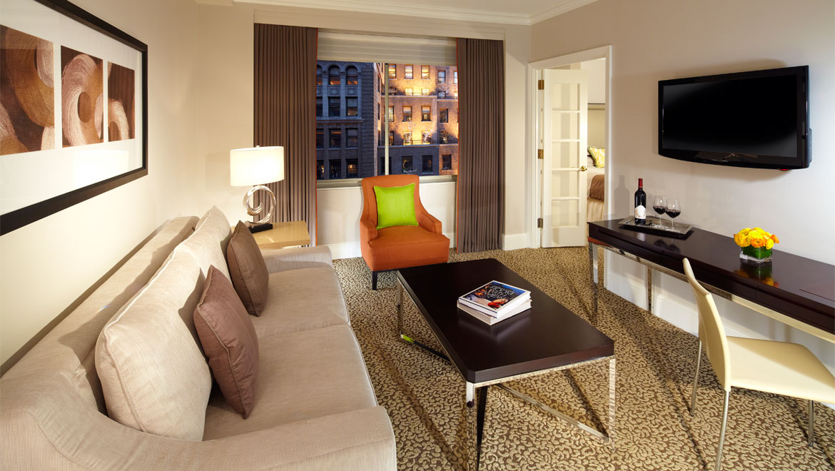 Midtown manhattan luxury suites omni berkshire place for Luxury extended stay hotels nyc