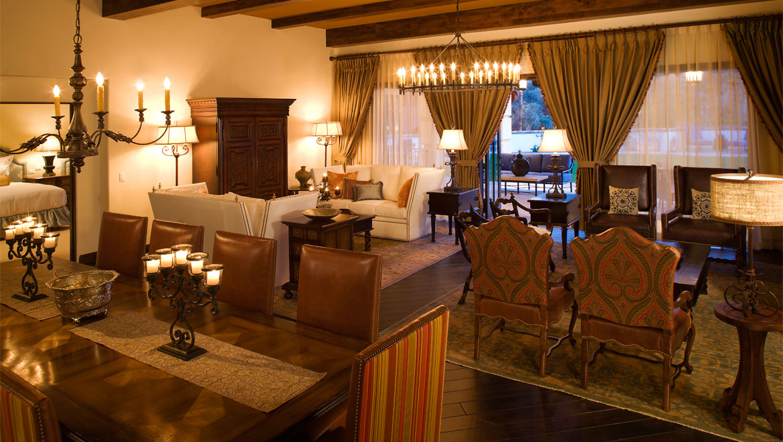 Scottsdale luxury guest rooms omni scottsdale resort spa for Scottsdale 2 bedroom suite hotels