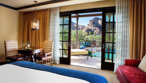 Grand Mountain View Guestroom