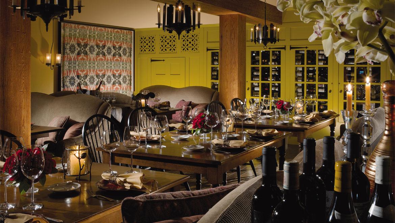 Bedford fine dining 1796 room omni bedford springs resort for W hotel in room dining menu