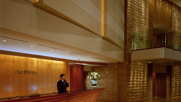 San Diego Hotel front desk in the lobby