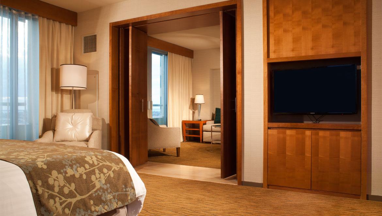 Suites In San Diego Guest Rooms Omni San Diego Hotel