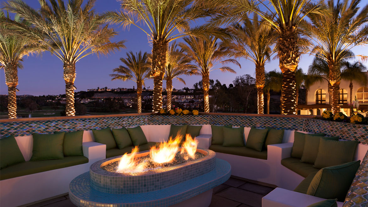 La Costa outdoor fire pit with seating