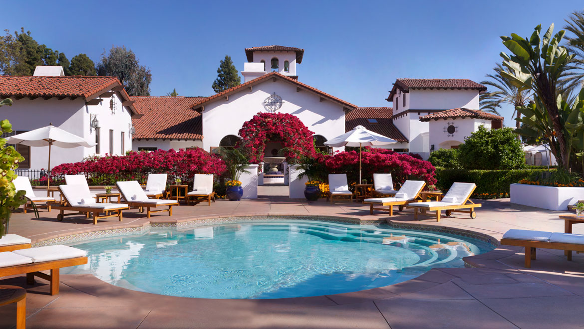 La Costa courtyard with spa view