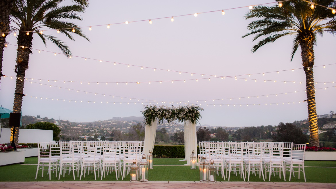 Outdoor wedding at Omni La Costa