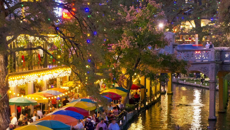 San Antonio Riverwalk Hotels With Free Parking