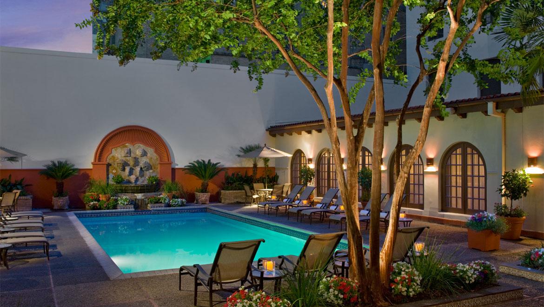 La Mansion pool at night