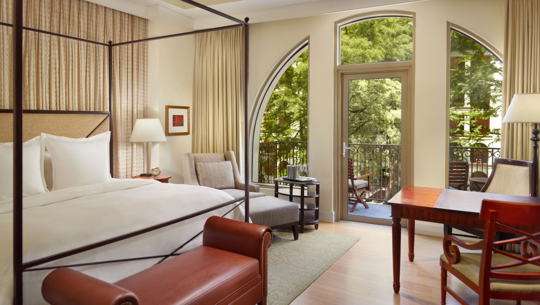 10 Best Hotels Near The San Antonio Riverwalk