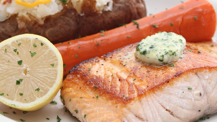 Bob's Steak & Chop House salmon dinner