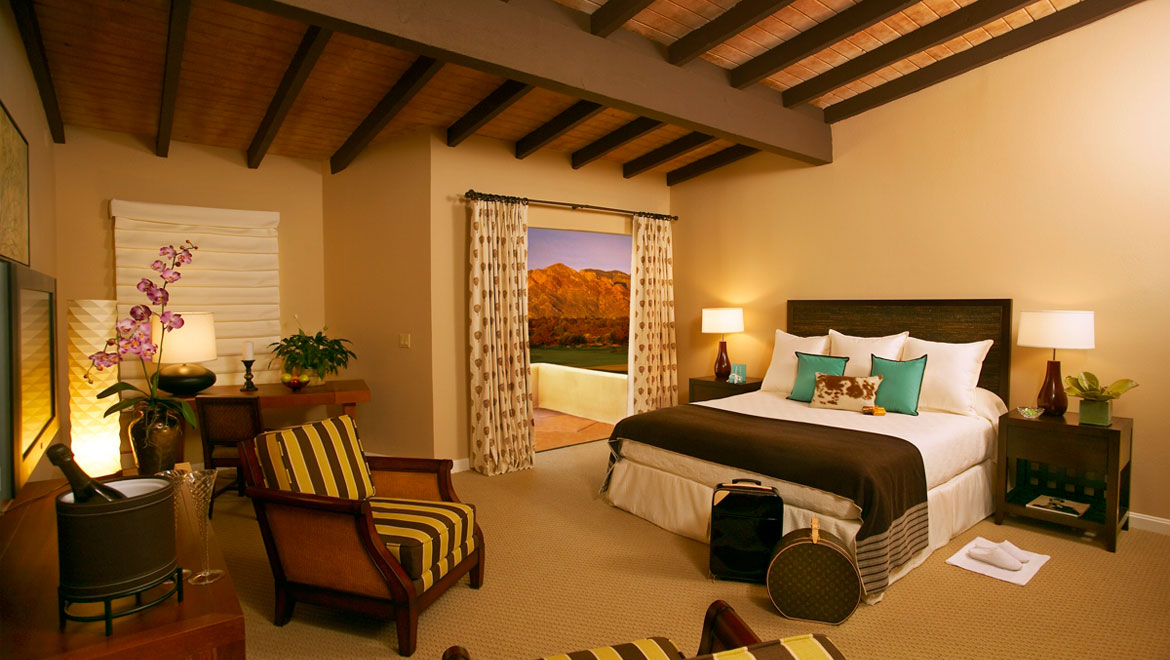 Tuscon guest room