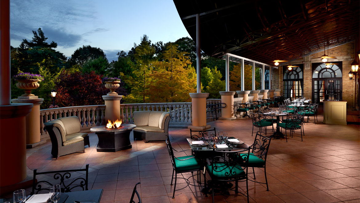 Outdoor Dining at Omni Shoreham Hotel