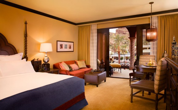 omni-scottsdale-resort-montelucia-guest-room